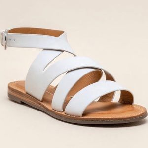 NWT Report Quill Banded Sandal size 6
